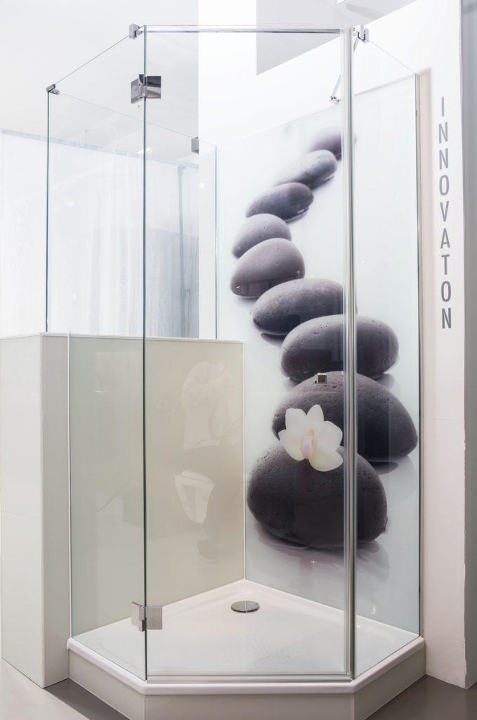 Glasduschen nach Maß - die 360°HzweiO Bäderausstellung in Augsburg