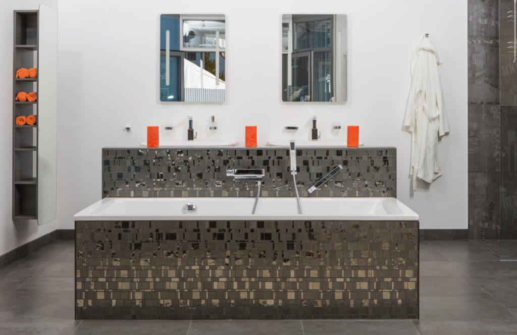 Moderne Metallicfliesen - Fliesenhaus München in den 360°HzweiO Bäderaustellungen