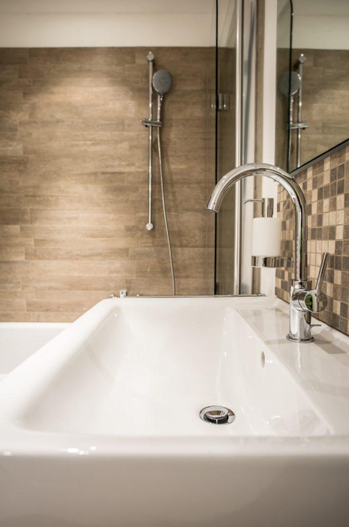 Von der Dusche, über das Waschbecken bis hin zur Armatur - die 360°HzweiO Bäderausstellung in Augsburg
